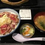 107120544 - 薄切りレアステーキ丼1200円