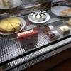 マキイ - 料理写真:レジそばケーキのショーウインドー