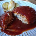 つぐら舎 - 料理写真:ワイントンのハンバーグ ランチセット 1000円 スープ、サラダ、ライス付き