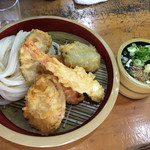 うどんや まるちゃん - ざるうどん+野菜天盛合せ1200円です