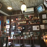 喫茶 昭和堂 - 上の段にあるのがタイガーマスク