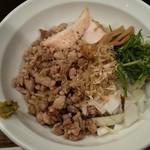 麺や一芯 - 料理写真:白醤油とゆずこしょうの魚介だしまぜそば