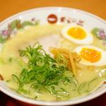 天下一品 - 半熟味玉ラーメン (¥796)