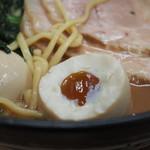 武蔵家 - ねっとり黄身の味玉