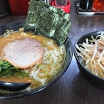 ラーメン 源絆家 - 源絆醤油豚骨ラーメンと塩ネギチャーシュー丼
