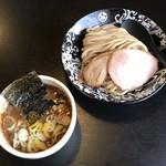 107155207 - 麺屋たけ井本店 つけ麺・小 890円