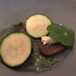 6eme - マグロの燻製 リコッタ  桃太郎(トマト)のコンソメスープと一緒にいただきます♬
