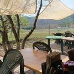 農家レストラン みのりの里 - 窓の外の様子