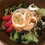 炭火焼肉バル AGITO HIRAO - アギト サラダ