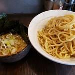 まつおぶし - 料理写真:つけ麺大盛850円+ネギ50円+のり100円!