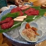 桃栗 - 桜肉盛り合わせ
