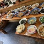 櫻屋 - 【2019.4.20】20種類以上の惣菜がズラリと並ぶ‼️