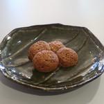 スワン洋菓子店 - 料理写真:ココナッツマカロン
