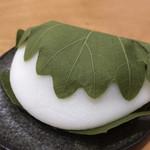 どら焼き専門店 嘉祥庵 - 柏餅