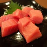馬肉料理・まぐろと日本酒の店 赤味処馬ぐろ - お造り・生本マグロとろ(1,280円)
