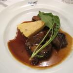 トラットリア デル チェーロ - 牛テール肉のローマ風煮込み