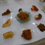 銀座 飛雁閣 - 9種の前菜盛り合わせ