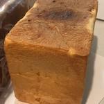フルール ドゥ リュクス - レモンピール食パン1.5斤 864円