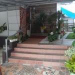もちの木食堂 - 玄関