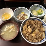 たつ屋 - 納豆牛丼定食