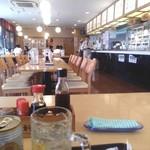 東新宿食堂 - 広々客席両サイドにはTV♪旅館の朝飯かっΣ(゚Д゚)!