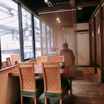 郷土料理・黒豚しゃぶ鍋・ぞうすい 八幡 - 店内!