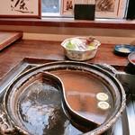 郷土料理・黒豚しゃぶ鍋・ぞうすい 八幡 - 2種類しゃぶしゃぶ!