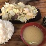 大黒ちゃん - 料理写真:1000円で これだけ食える 鉄板焼 1.5人前 ご飯大盛り