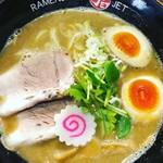 ラーメン人生JET600 - 料理写真:鶏煮込みそば+味玉