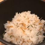 串亭 - 名物ちりめんご飯