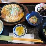 ダイニングカフェ846 - むつみ豚カツとじ定食