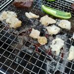 肉のサンビーム - 焼いてもらいます