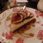 カフェ シャンソニエ アコリット - いちじくケーキ