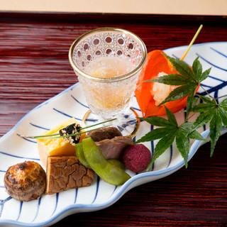 緩急をつけて饗される、伝統と新味が混ざり合う端正な料理