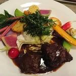 ブラッスリー ジゴ - ランチプレート牛バラ肉の赤ワイン煮込み