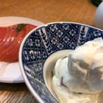 酒場 晩酌 Tezuka - トマトといぶりがっこクリームチーズ