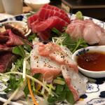 酒場 晩酌 Tezuka - 刺し盛りを頼んだら肉も付いてきた件