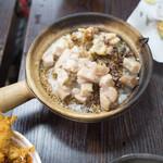 Hing Kee Restaurant - 料理写真:タコと鶏肉の煲仔飯51HKD
