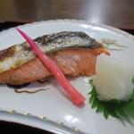 海鮮、定食、天ぷらと酒 舟源 - 鮭かな?