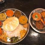 インド食堂 チャラカラ - 料理写真:ベジミールス+ノンベジ4品