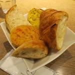 メゾンカイザー - 初回提供のパン。