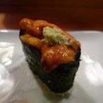 吉野寿司 - ☆ウニちゃんも山葵のせで軍艦☆