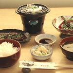 きなせ亭 - 鯨づけ焼定食 本皮赤身刺身付 1600円