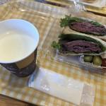山川牧場 モータウンファクトリー ローストビーフサンドショップ - 料理写真: