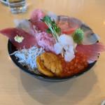 海鮮処 海門 - まかない丼デラックス2380円
