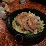 107319575 - 骨付きモモ肉の炊き鶏