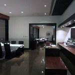 Chuugokuryouriboukairou - 私逹はちょっと早い5時半の予約だったんでホテルの一番先にあたる所で食事をいただきました