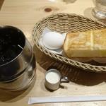 107320935 - たっぷりアイスコーヒー(モーニングAセット)