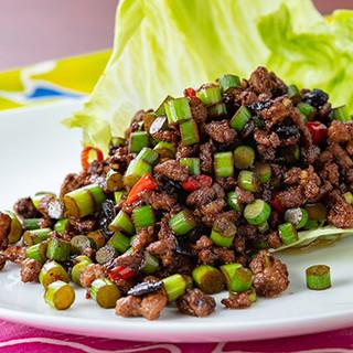 野菜中心の本格的な台湾夜市料理と、台南名物を味わえます