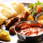 バルサ - 料理写真:二種類カレーワンプレート